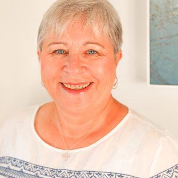 Loraine Carr